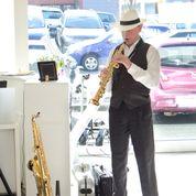 Dr. Rainer Schmidt am Saxophon