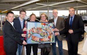 Lübeck malt Gerd Rapior Media Concept Siegerin und Ersteigerin mit Projektpartnern