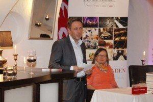 Stephan Gustke begrüßt die Gäste