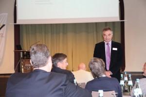 Gerd Rapior als Moderator 2
