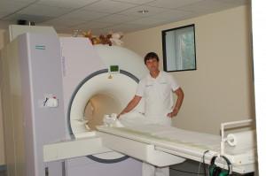 Dr. Frank Schubert tauscht sein bisheriges MRT (Foto) in seiner radiologischen Praxis in Preetz gegen ein modernes Gerät aus, das auch den Patienten viel mehr Komfort bietet.